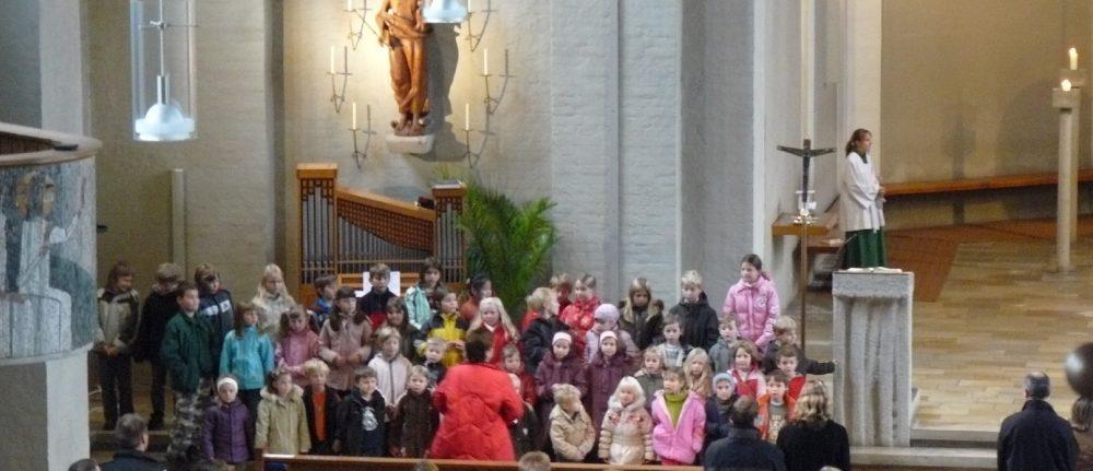 Kinderchöre singen am 1. Advent